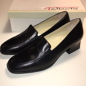 Talbots Black Leather Casual Pumps NWT